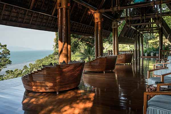 Four Seasons hotel Bangkok WInner Chil Chil